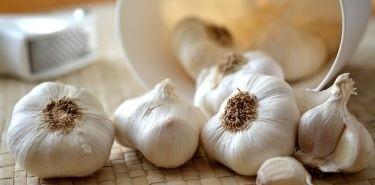 6 powodów, dla których warto jeść czosnek
