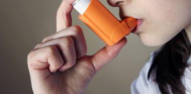 Astma nie omija znanych i lubianych