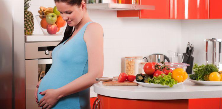 Dieta kobiety ciężarnej i matki karmiącej piersią