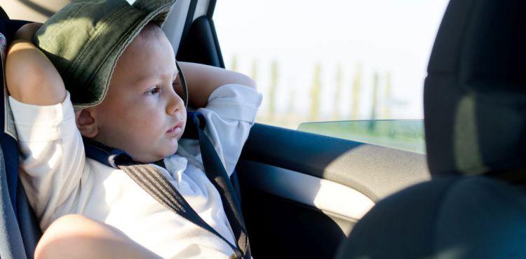 Dziecięce nieprzyjemności w podróży - jak im zaradzić?