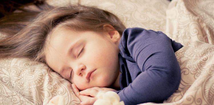 Gorączka, biegunka, wymioty u dziecka? To może być rotawirus. Jak postępować?