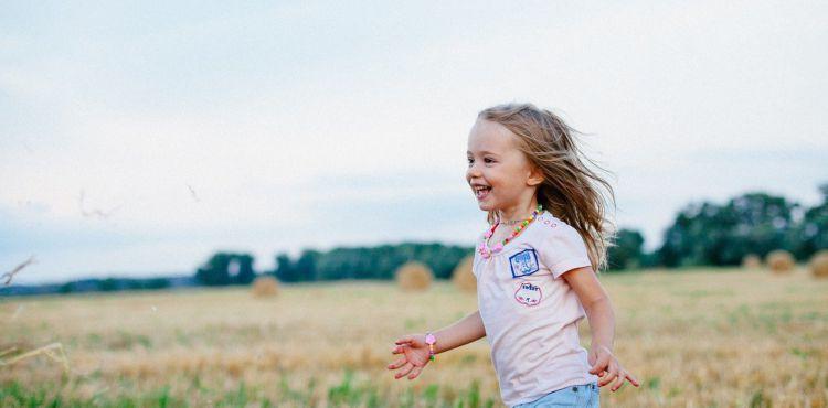 Infekcje, siniaki i... Zobacz przed czym ochroni acerola dla dzieci