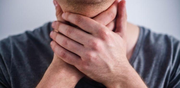 Jak zwalczyć suchość gardła?