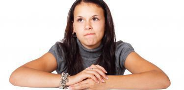 Nierówna walka nastolatka z trądzikiem