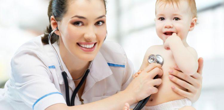 Pierwsza wizyta z niemowlakiem u pediatry