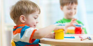 Pierwsze tygodnie w przedszkolu. 5 sygnałów u dziecka, które powinny Cię zaniepokoić